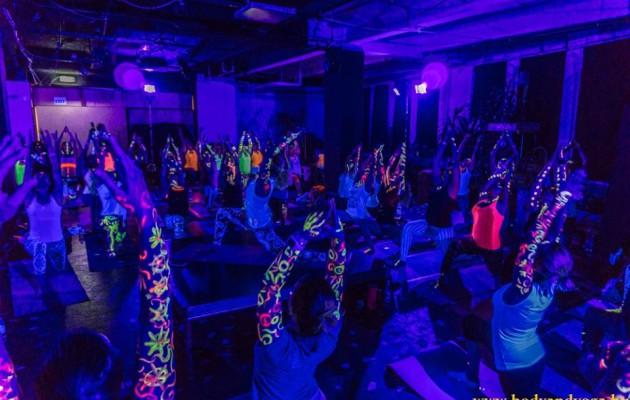 Fotók a Yoga Night – GLOW YOGA Partyról